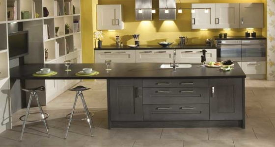 Kitchen Stori Clonmel Oak Stained Anthracite and Painted Mussel